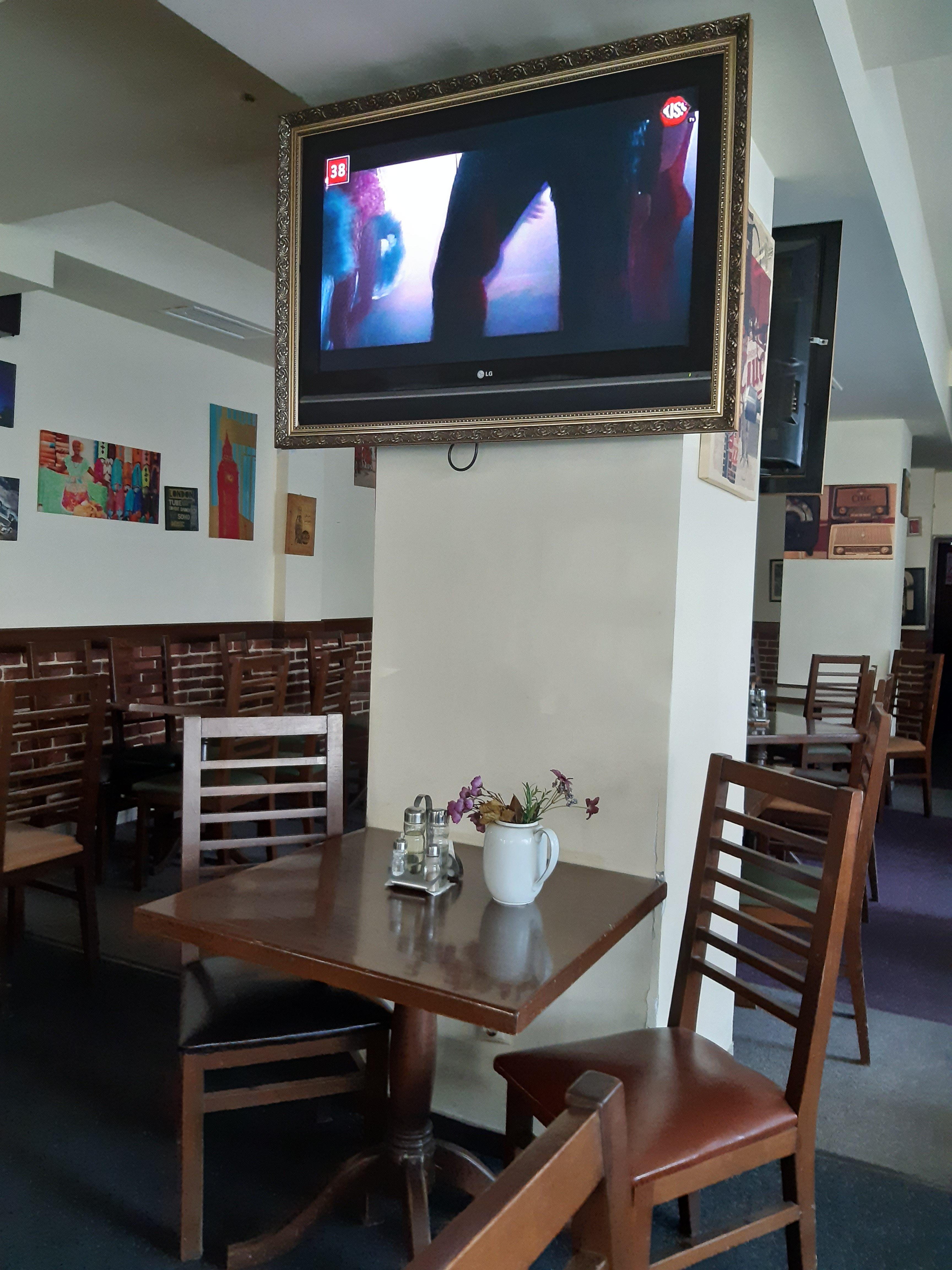 Interior restaurant Niela cartier Craiovita Noua
